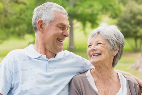 Closeup of a senior couple at park FYI00000141