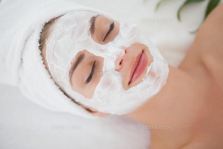 Beautiful blonde getting a facial treatment FYI00002682