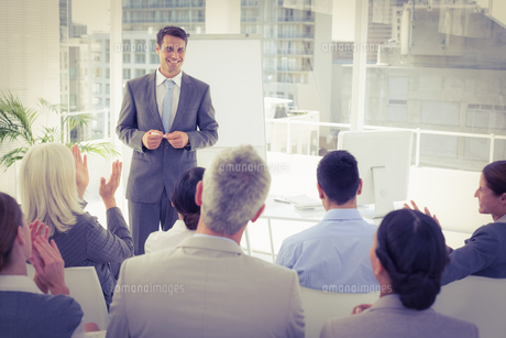 Businessman doing speech during meeting FYI00007636