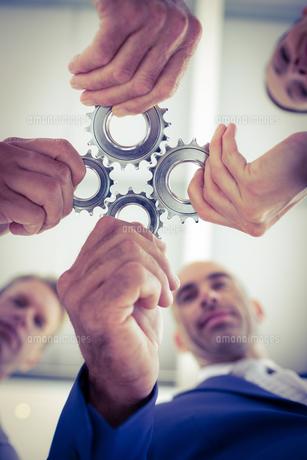 Business team solving a problem FYI00007658