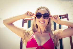 beautiful blonde woman at the beach FYI00007865
