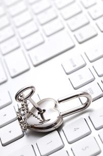 キーボードと鍵 FYI00025147