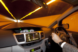 車内のドライバー FYI00025370