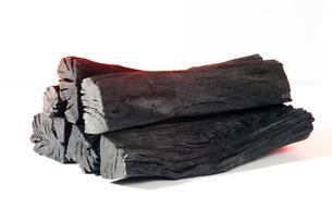 木炭の着火イメージ FYI00025477