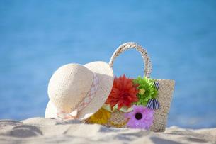 海辺の帽子とカバン FYI00025849