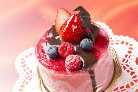 バレンタイン苺チョコケーキ FYI00026276