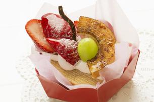 イチゴカップケーキ FYI00026410