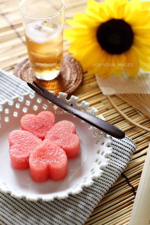スイカと向日葵の夏イメージ FYI00027531