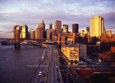マンハッタンのビル群 FYI00035036