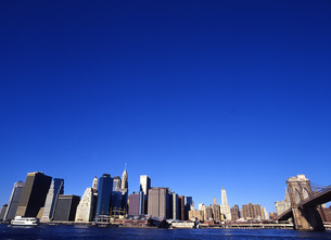 マンハッタンの高層ビル群 FYI00035041