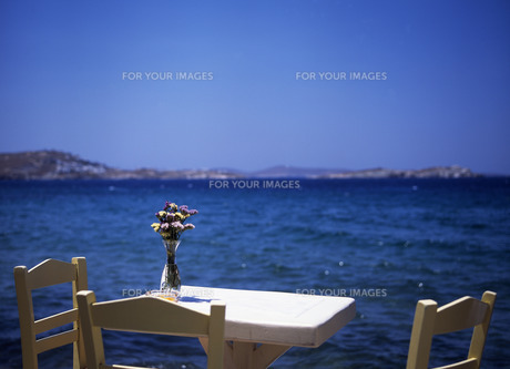 海辺のテーブル FYI00035189