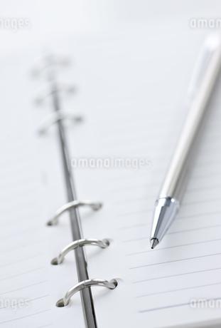 手帳とペン FYI00040307