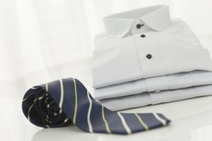ワイシャツとネクタイ FYI00041040