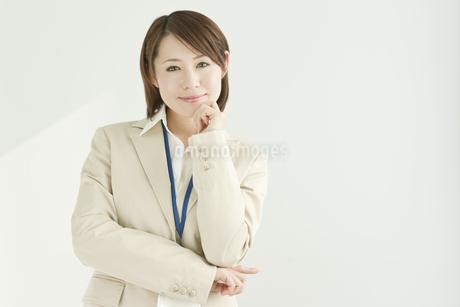 笑顔のビジネスウーマン FYI00041214