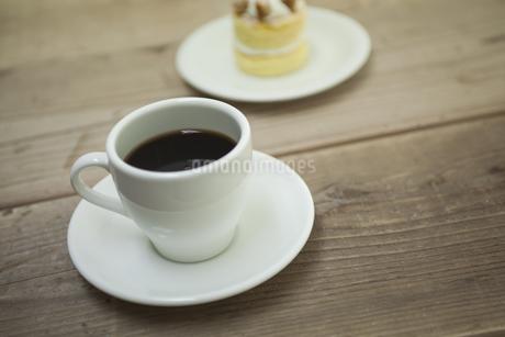 コーヒーとケーキ FYI00041967
