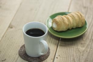 コーヒーとコルネ FYI00041972