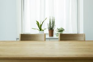 テーブルと椅子 FYI00042557