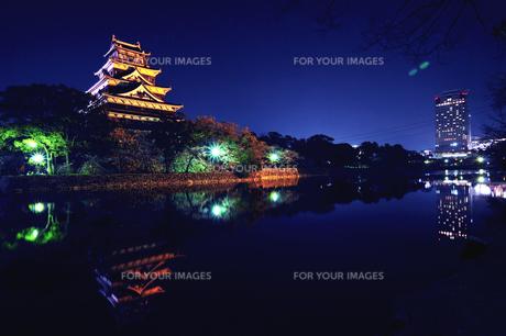 広島城とビル FYI00043163