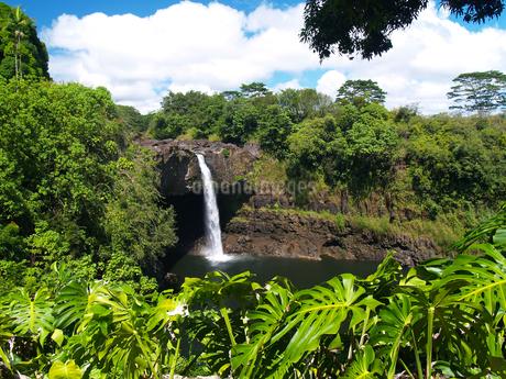 ハワイ島のレインボー滝 FYI00044563