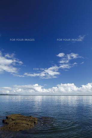 ヒロ湾と青空の素材 [FYI00044754]