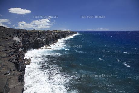 ハワイ島の断崖 FYI00044756