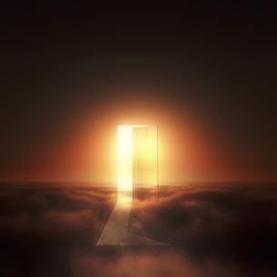 光が射し込むドア FYI00047834