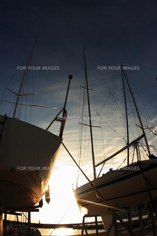 ヨットハバーから見た夕日 FYI00049263