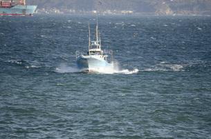 走る漁船 FYI00052288