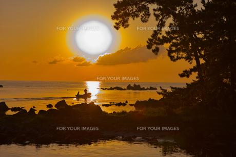 朝陽の能登島 FYI00056145