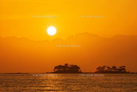 立山連峰からの日の出 3 FYI00056164