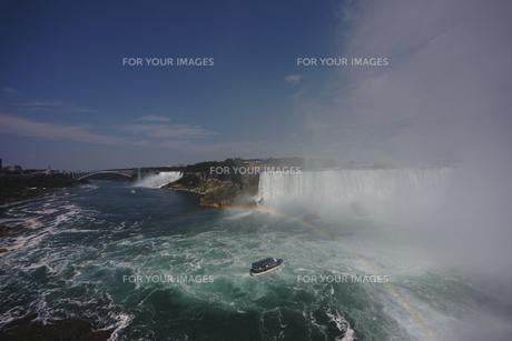 ナイアガラの滝と虹 FYI00059164