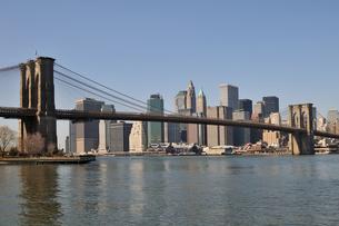 ブルックリンブリッジとロワー マンハッタン FYI00059647