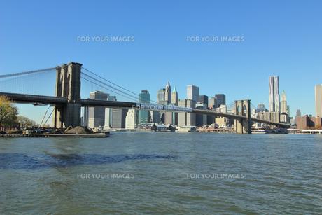 ブルックリンブリッジとロワー マンハッタン FYI00059974