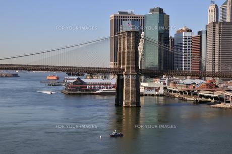 ブルックリンブリッジとロワー マンハッタンの素材 [FYI00060226]