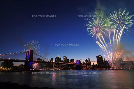 ブルックリンブリッジと花火 FYI00060244