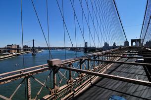 ブルックリンブリッジとマンハッタンブリッジ FYI00060272