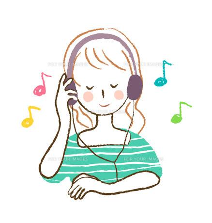 音楽を聴く女性 FYI00075892