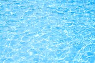 プールの水面 FYI00082080
