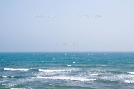 水平線とヨット FYI00082138