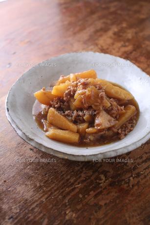 ジャガイモと挽肉の醤油煮 FYI00092448