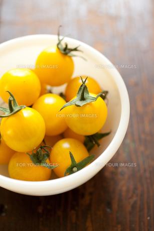 黄色いフルーツトマト FYI00092882