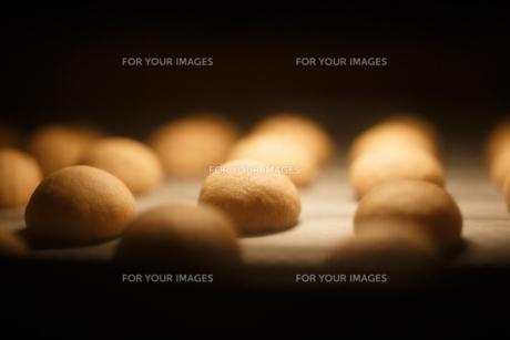オーブンの中のクッキー FYI00093870