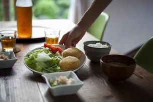 食卓の風景 FYI00111699