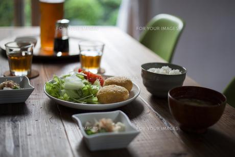 食卓 FYI00111702