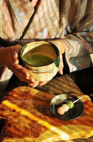 抹茶と女性-3 FYI00114343