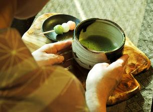 抹茶と女性-1 FYI00114352