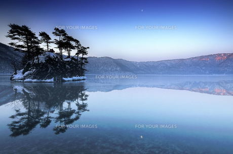 十和田湖 湖 朝 FYI00117125