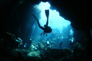 水中洞窟 FYI00121751
