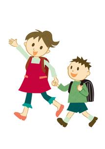 手をつないで学校に行く子供 FYI00125960