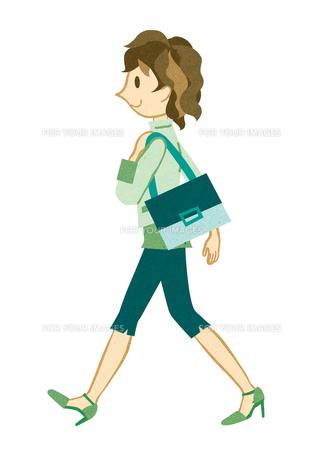 颯爽と歩く若い女性の素材 [FYI00125964]